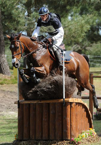 Maxime Livio and Qalao des Mer on the cross-country at Saumur.