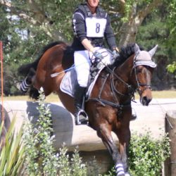 Smith extends lead in eventing's Super League
