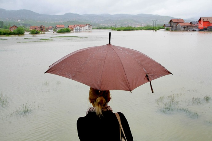GTY_balkans_flood_13_sk_140516_3x2_1600
