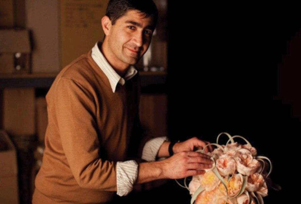 http://iloveroses.com/celebrity-florist-of-the-week-eddie-zaratsian/