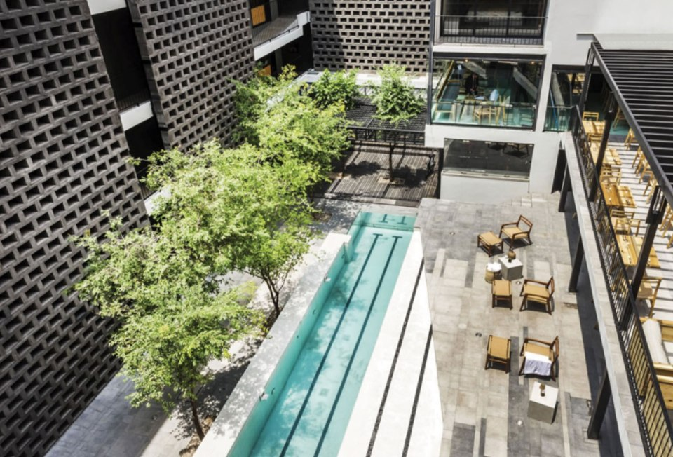http://www.hotelcarlota.com/