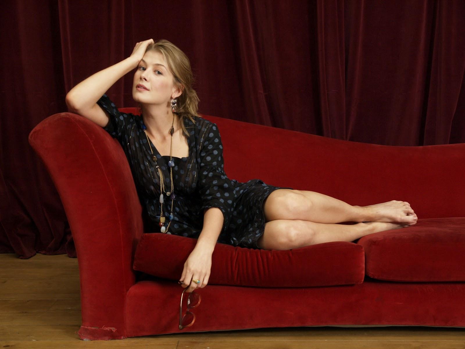 Rosamund Pike Celebrity Pictures