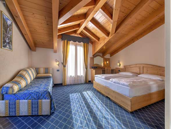 Wellness Hotel 3 Stelle Superior A Folgarida Le Confortevoli Camere Family Suite Affacciate - Hotel Caminetto Folgarida Camere
