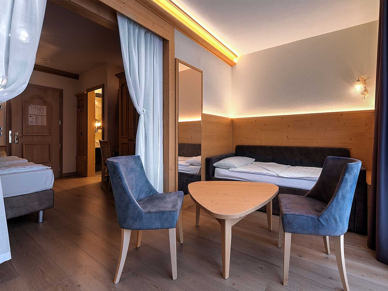 Wellness Hotel 3 Stelle Superior A Folgarida Le Confortevoli Camere Junior Suite Affacciate - Hotel Caminetto Folgarida Camere