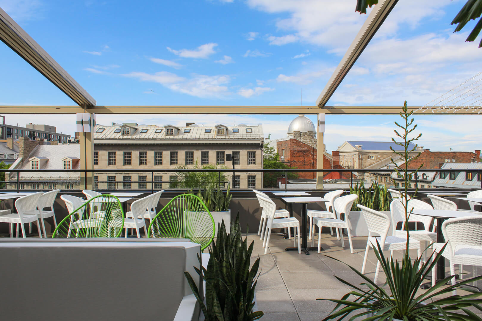 Rooftop Terrace With Healthy Menu Perche Hotel William