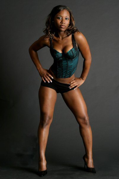 Workout Motivation Wallpaper Hd Black Hot Fitness Model Shows Us The Pose Hot Fitness
