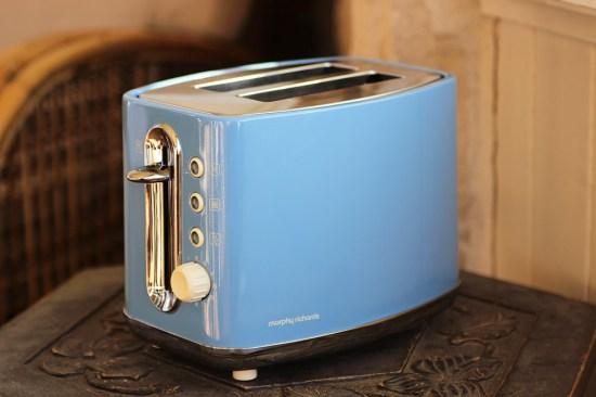 A retro toaster