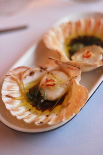 Scallops with chilli, ginger and soy