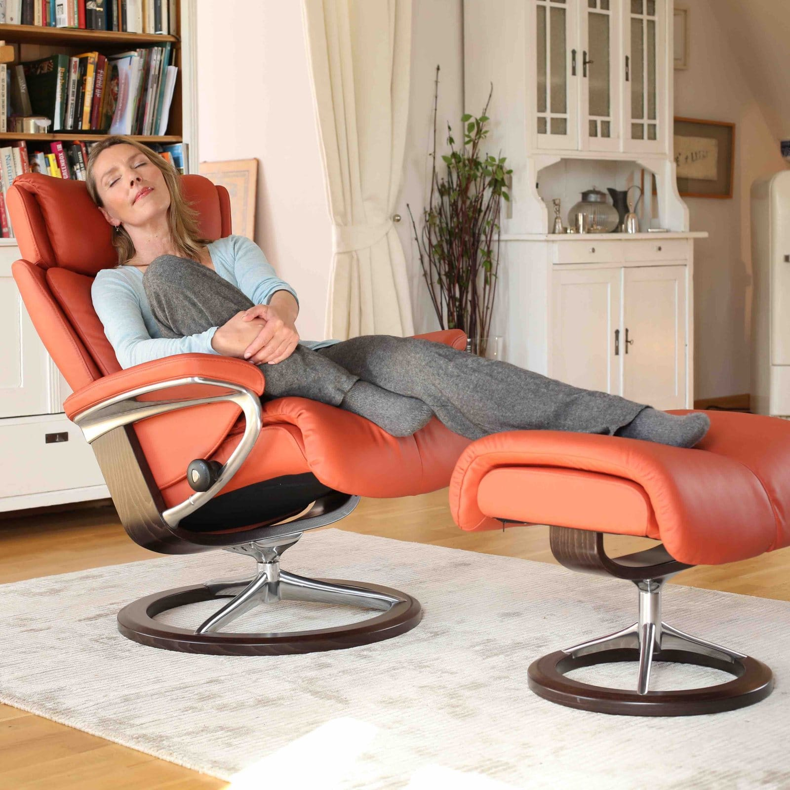 Stressless Magic M Stressless Sessel Magic Leder Paloma Henna Signature Gestell Braun Mit Hocker