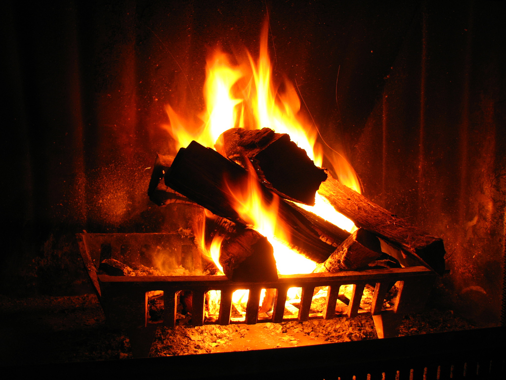 Fireplace Fragrance Oil 10 Diy Fire Fragrances To Make Your Chiminea Or Fireplace Smell