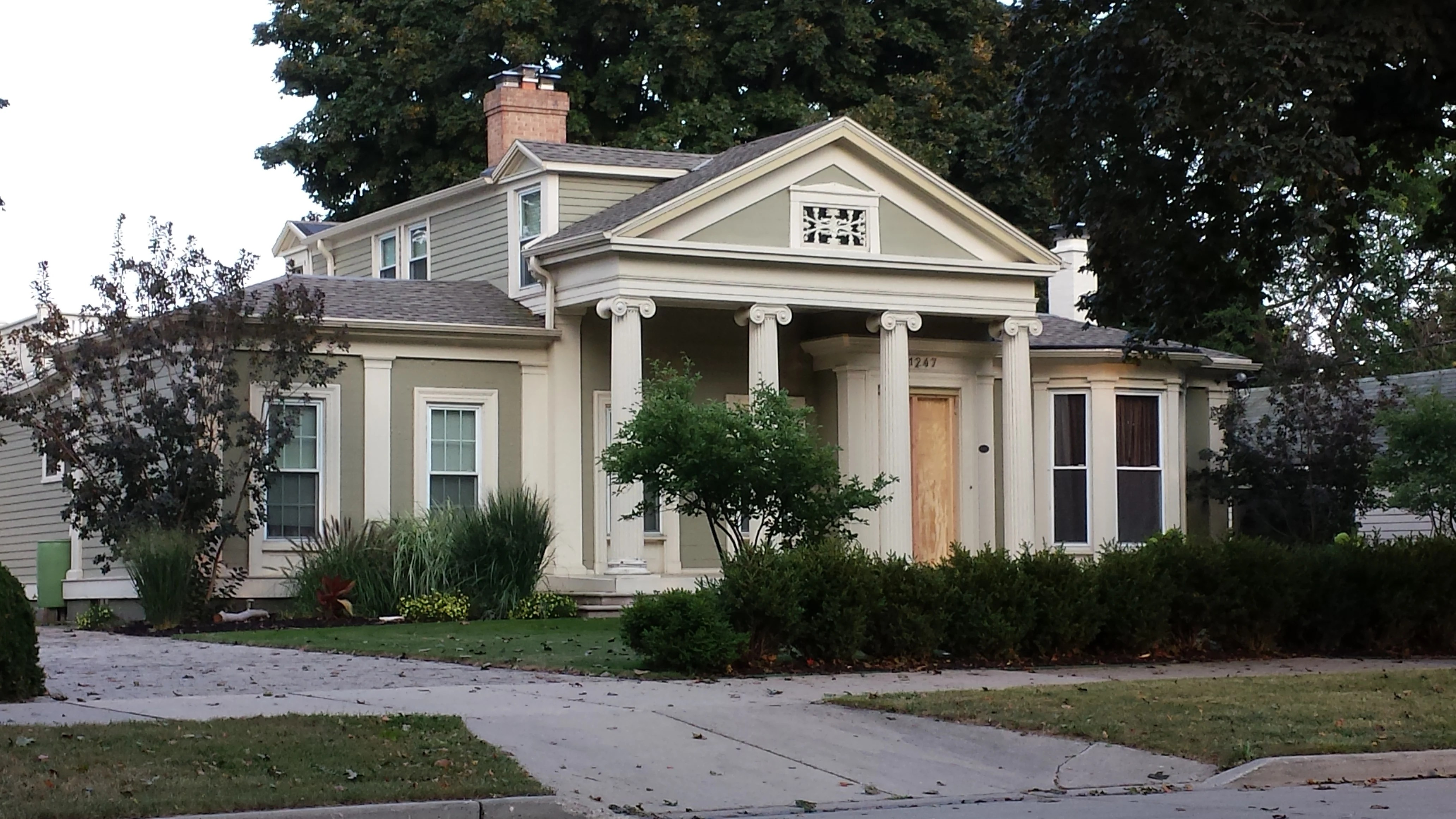 Greek Revival Farmhouse Architecture Home Tour In Racine Wisconsin Gothic Italian Greek