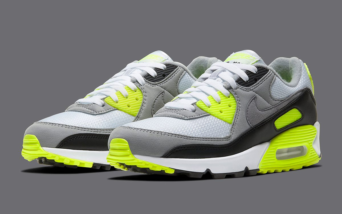 Nike Air Max 90 Quot Volt Quot Arrives In Og Cut For Silhouette 39 S