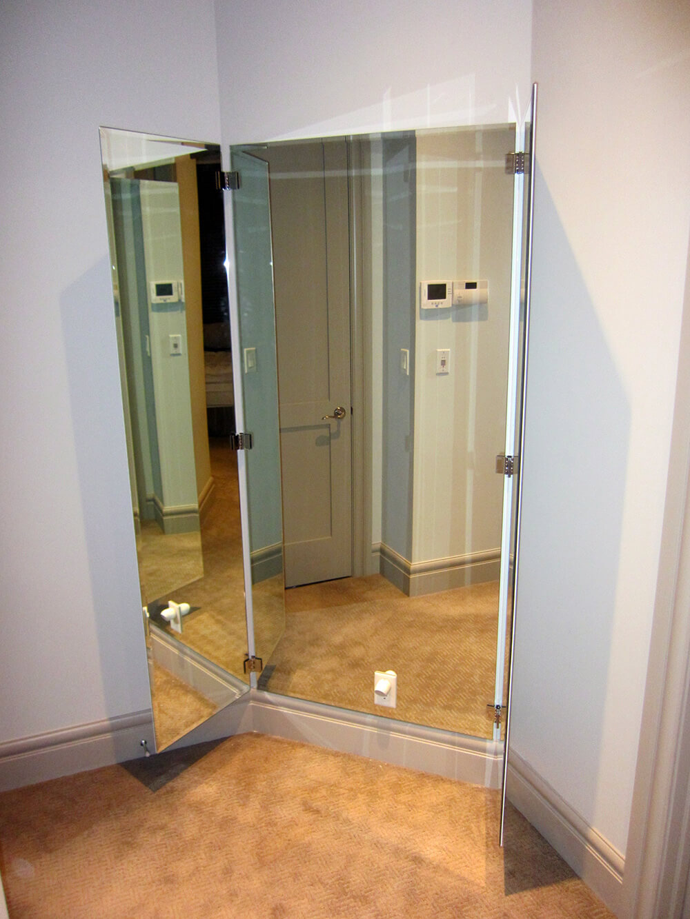 mirrors house of mirrors glass calgary mirrors. Black Bedroom Furniture Sets. Home Design Ideas