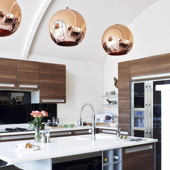 decordemon: COPPER PENDANT LIGHTS IN THE KITCHEN