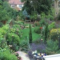 Garden Decorating Ideas Photograph | garden haven | Garden f