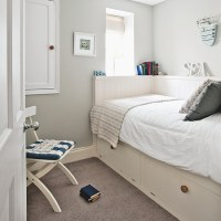 Nautical bedroom with built in bed | Small bedroom design ...