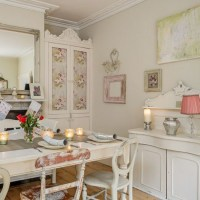 Shabby-chic Christmas dining room with shimmering votives ...