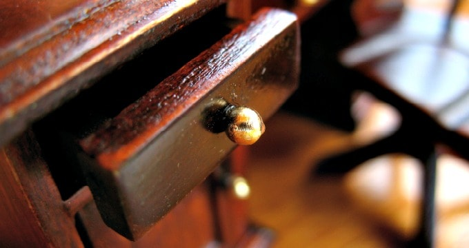 How To Fix Scratches On Wood Furniture 3 Easy Diy Ways