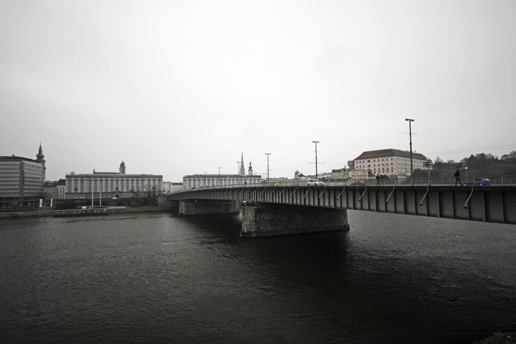 Linz - The Danube river | How Far From Home