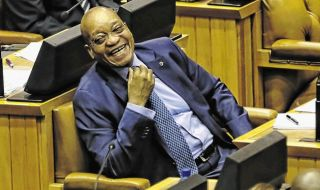 President+Jacob+Zuma+Sona+2015+laugh+1