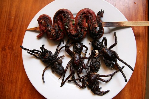 Fried-Spider-and-Snak (2)