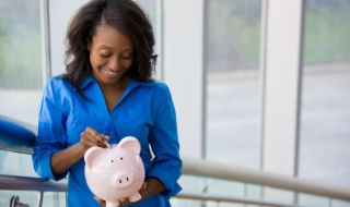 Money-Finances-Black-woman-lady-e1449561692781_690x450_crop_80