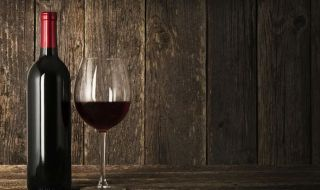 bottle-of-wine-_690x450_crop_80