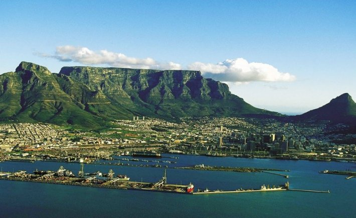 table-mountain-cape-town-background2