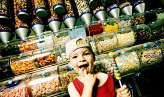alg-child-candy-store-jpg