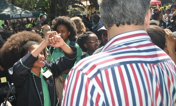 Racism row over South Africa school's alleged hair policy