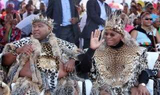 khulubuse-zuma-and-uncle-president-jacob-zuma image source: www.sowetanlive.co.za