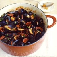 Keeping it simple:  What's for dinner? Spicy mussels and chorizo!