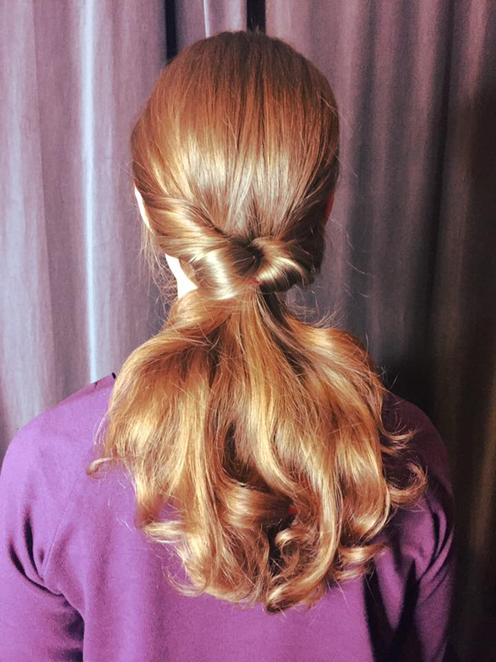 Hair Styling Spray Hair Tutorial The Redhead Inside Out Ponytail In 4 Steps