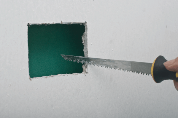 Cutting holes in drywall