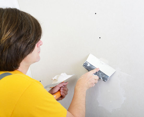 Plastering-the-screw-heads