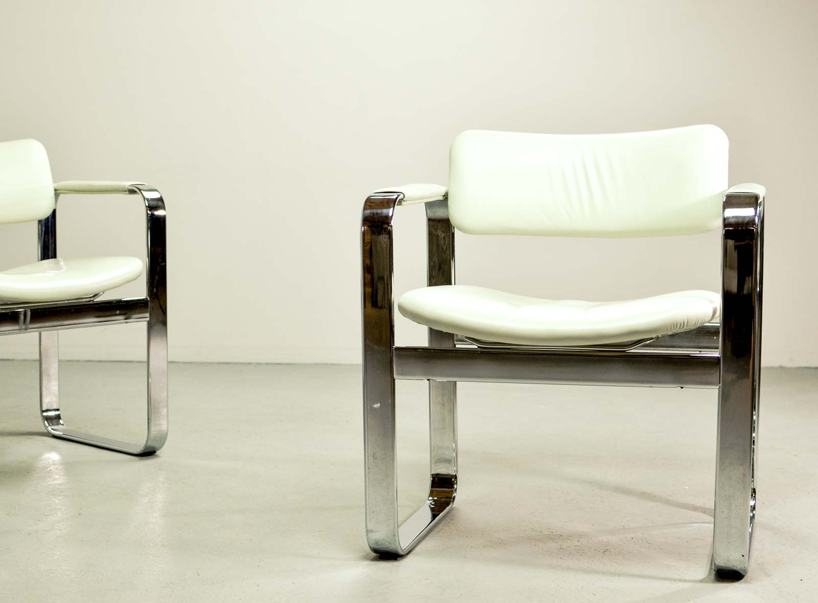 Italia Design Möbel Mid Century Chromed Steel Executive Armchairs By Eero Aarnio For