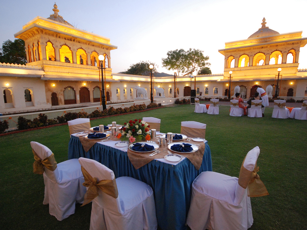 Grand Salon Jagmandir Island Palace | Grand Heritage Hotels In Udaipur
