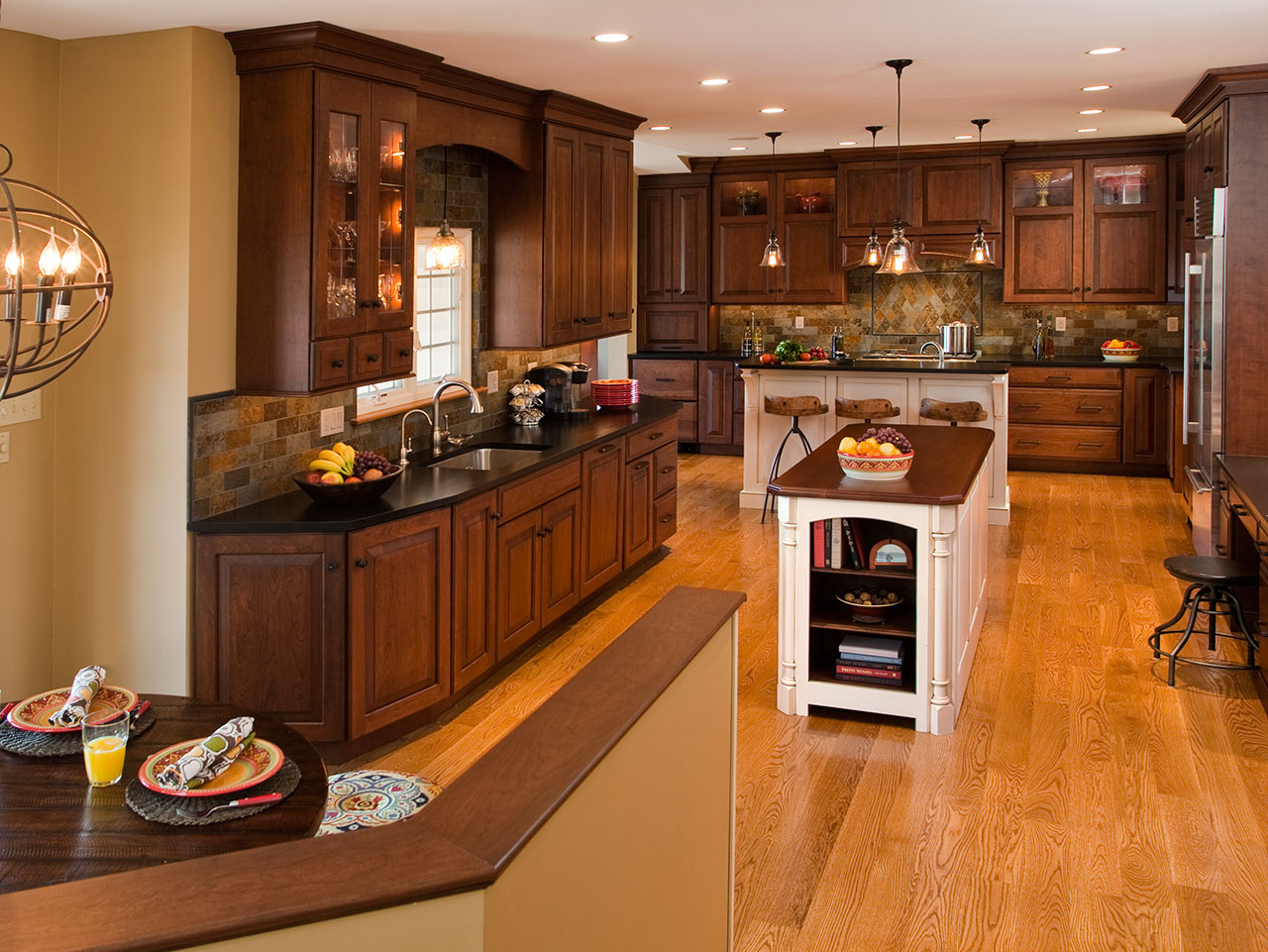 Kitchen Cabinets With Black Trim Traditional Kitchens Designs And Remodeling Htrenovations