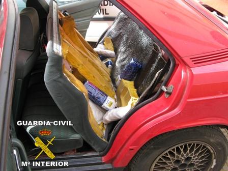 Vehículo incautado en otra operación que también transportaba droga a Canarias.