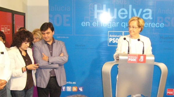 Petronila Guerrero y miembros de su lista.
