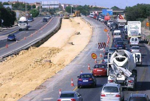 Las obras en la A-49 siempre se realizan pensando el tráfico sentido Sevilla.
