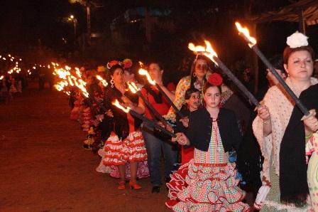 Rosario de antorchas en Montemayor.
