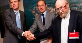 Firma del acuerdo de colaboración de Cepsa y el CSIC. (Julián Pérez)