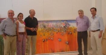 El jurado junto a una de las obras ganadoras.
