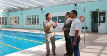 Barrero junto al candidato al Senado Antonio Muñiz en el hotel 'Sierra de Aracena' de Cortegana.