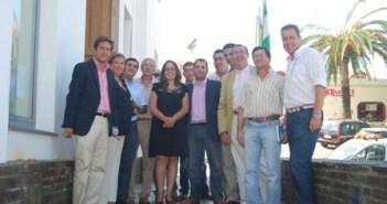 Diputados del PP con la alcaldesa en Minas de Riotinto.