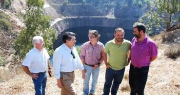 Responsables socialistas, en la mina de La Zarza.