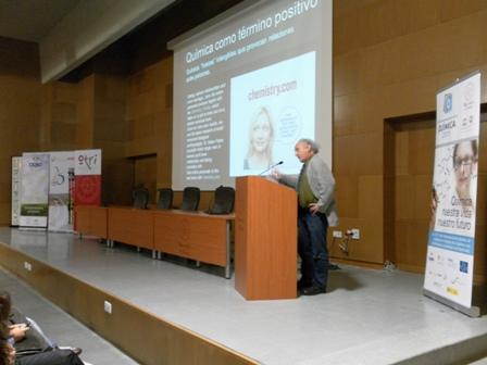 Conferencia en la Semana de la Ciencia de la UHU el pasado año.