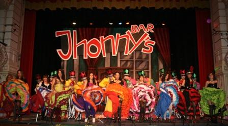 Actuación de 'Jhonny el serpiente' en el Gran Teatro.