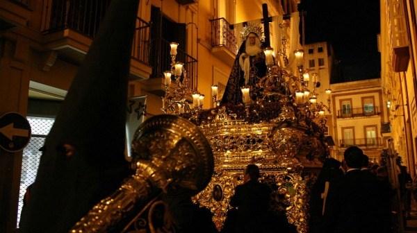 Nuestra Señora de la Soledad en su desfile procesional.